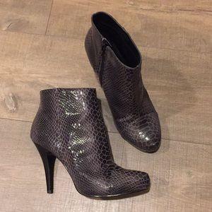 Nine West Most Wantedo grey Brown booties 6.5